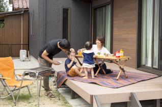 趣味を楽しみ、家事をスマートに。家族のライフスタイルを尊重する家。
